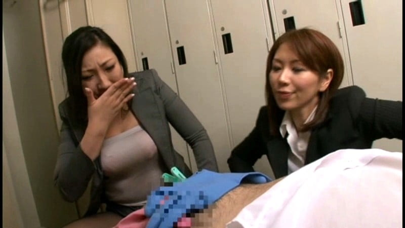 粗チンを嘲笑する女教師